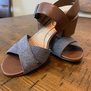 Life Stride Size 6M Grey Slingback Sandals Low Hee